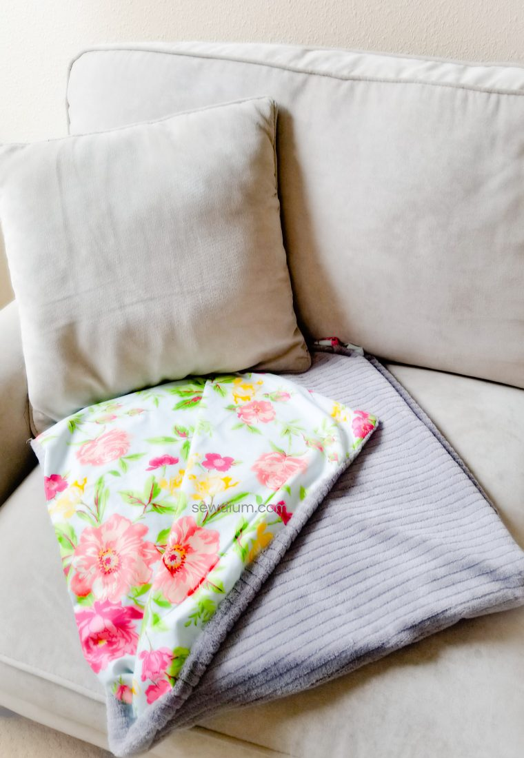 Easy Throw Blanket Using Remnants